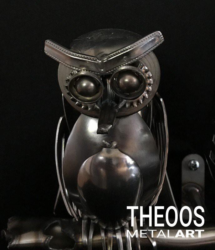 Uil met uilskuiken   € 200,00   Artikelcode TM-24